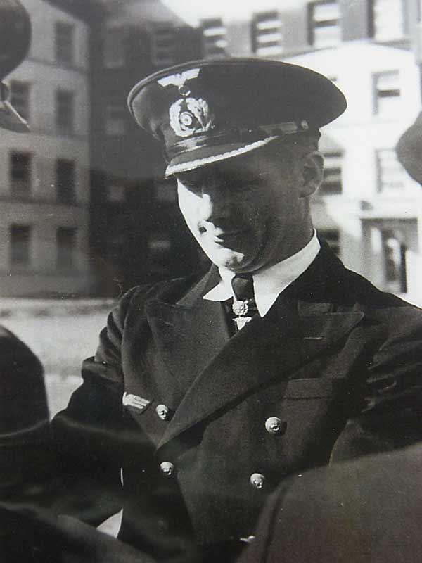 Crystal Lake Il >> Fregattenkapitan Heinrich Lehmann- Willenbrock flask grouping
