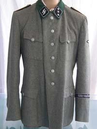 Waffen SS service tunic for the rank of Untersturmfuhrer with Gotz von Berlichingen cufftitle